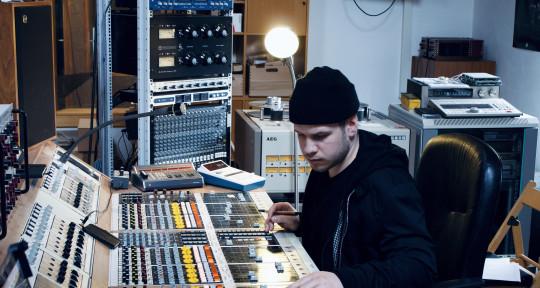 """Mix, Master, Edit, Support - Thomas """"Raprezent"""" Schmid"""