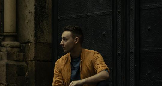Songwriter, Vocalist, Topliner - Andrew