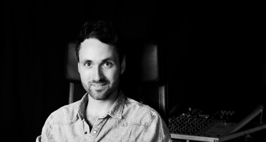 Mixer Producer Bassplayer - Johann Seifert