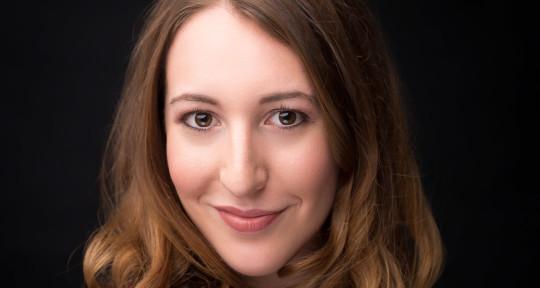 Operatic Soprano - Amanda Levy
