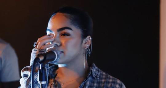 singer songwriter - shrls
