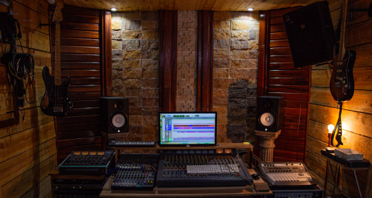 Remote Mixing , Mastering - Julio