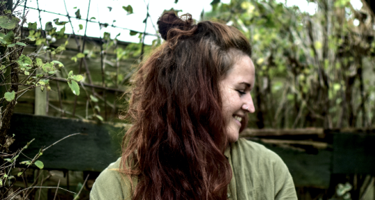 Session Singer/Topline writer - Josie Eleini