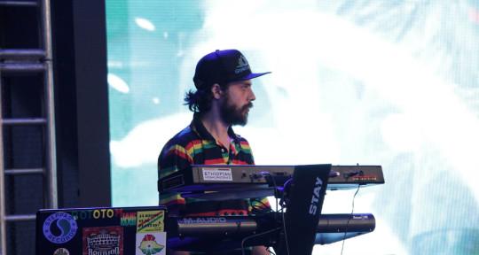 session Keyboardist, Producer - Tomaz Freitas aka Tootz Irie