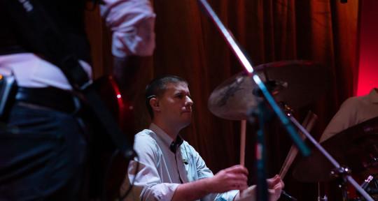 I am pop/rock session drummer - Denis Loncaric