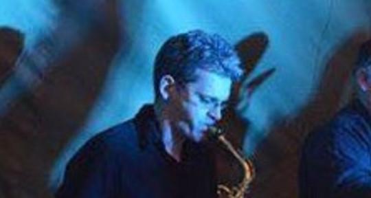 Sax & clarinettist & arranger - Gareth Sanders-Swales