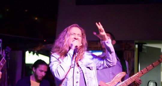 Singer, BG Vocals, Topline - Aura Walmer