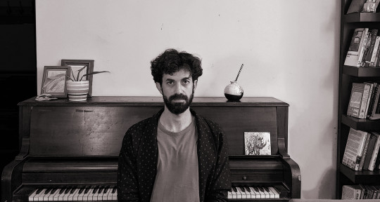 Pianist-Keyboardist-Improviser - Daniel Meron
