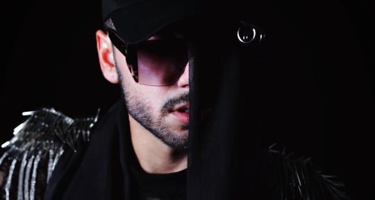 Singer Male - Abe Adwar