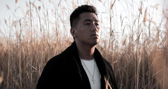 Session Singer | Songwriter - JR Aquino