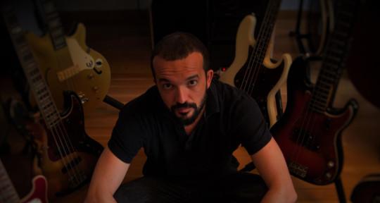 Bass Player, Mixer & Producer - Chapo González
