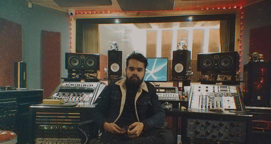 Productor musical - Juan Pablo Carrillo