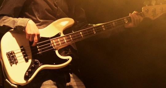 Session Bassist - Daniel Gil