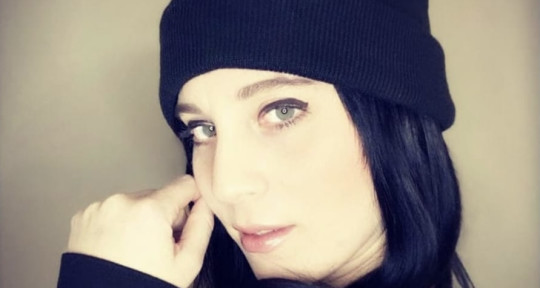 Singer/Songwriter - Christen Placa