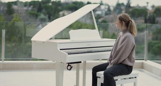 'Songwriter', 'Singer',  - Sara Abad