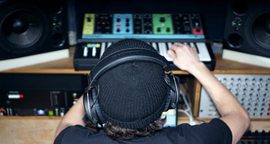 Producer / Beatmaker / Mixing - Tarek Zarroug