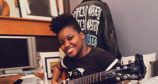 Session Guitarist - Julie Outrage