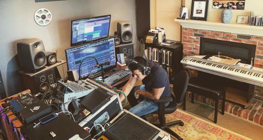 Music Producer / Keyboardist - Eduardo Osorio