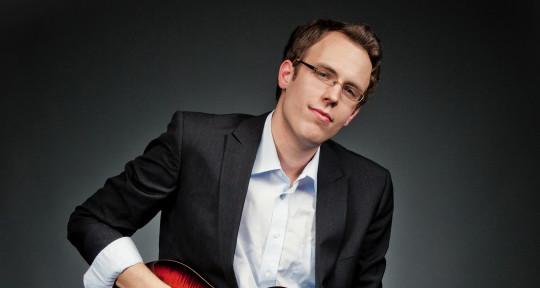 playing Guitar&producing Music - Martin Hanisch
