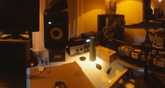 multi-instrumentalist/producer - Tom Woodling