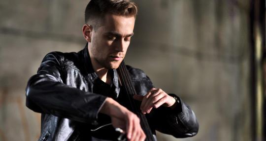 Cellist | String arranger - Bartosz Zboralski