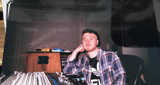 Producer, Mixing and Mastering - Ell.Mckay