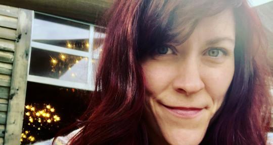 Singer/Songwriter, BGV - Jo Madden