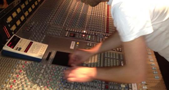 Producer / Mixer / Musician - Neil Brock