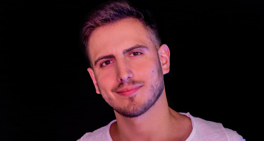 Singer and Composer - Lucas Tegui
