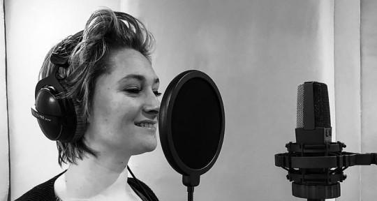 songwriter, vocalist, topliner - Bette Schindler