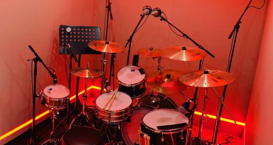 Session Drummer / Mixer - Chuck Sabo