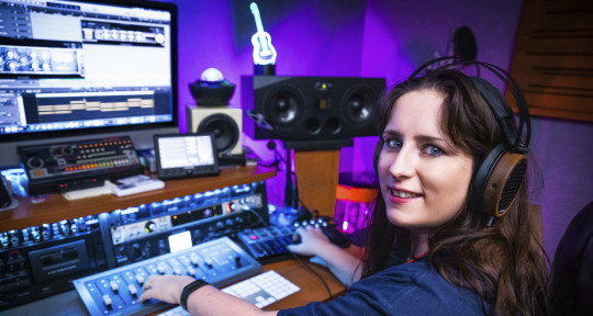 A rare Female Music Producer!  - Aubrey Whitfield