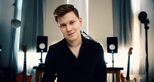 Pro K-pop Producer & Topliner - Henri Vuortenvirta (Henzo)