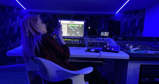 Producer | Musician | Mixing  - Ari TL