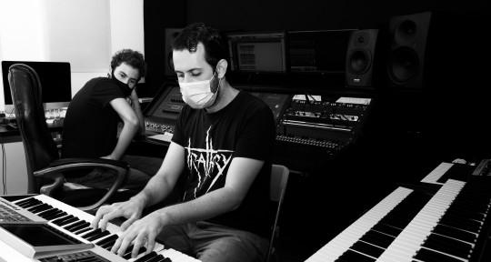 Session Keyboardist            - Pedro SB