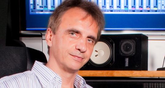 Mixing and mastering music - Voytek Kochanek