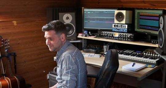 Music Producer, Mix Engineer - Joe Lonsdale
