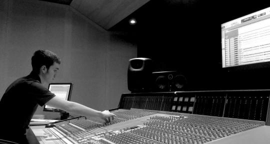 Musician / Composer / Producer - Joe Collier