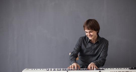 producer, mixing, songwriter - Simon Kunitsyn