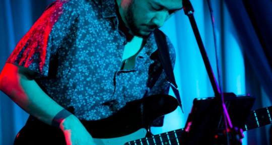 Brazilian Session Bassist - Kiko Woiski