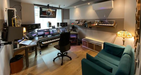 Soundtracks Music Production - Wider Studio Music