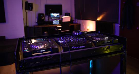 Recording & Livestream studio - The Creagency