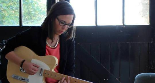 Musician, writer and producer - Sara Robalo