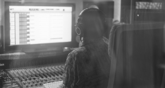 Mixing & Recording Engineer - Em Damaschin