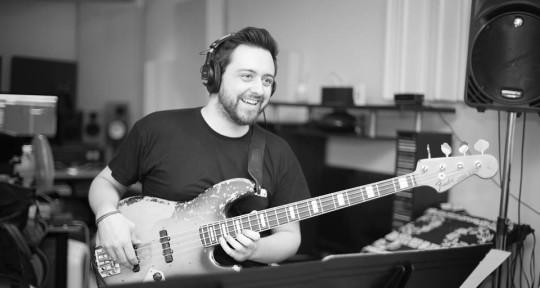 Session bass player - Romain Labaye
