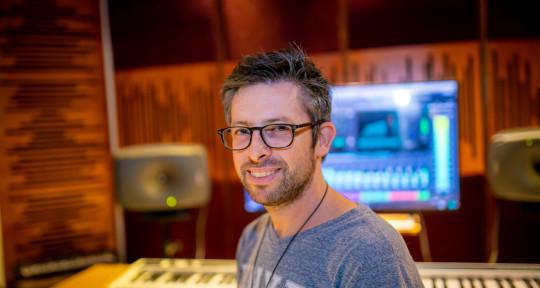 Session Pianist & Producer - Ori Shlez