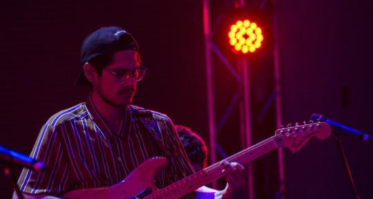 Session Guitarrist, Music Prod - Gerardo 'Felina' Hormazábal