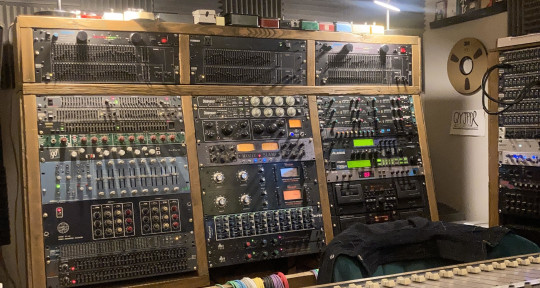Mixing, Production & Mastering - Andrew Grosse / Audio Engineer