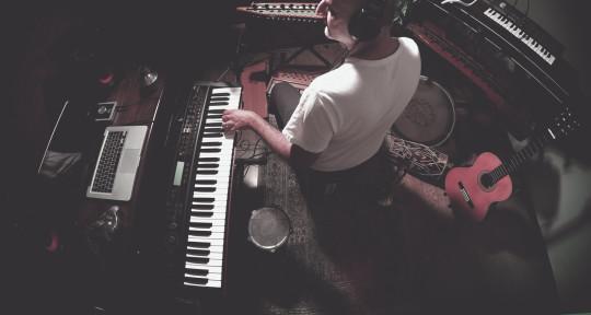 Session pianist  - Hamzeh Yeganeh