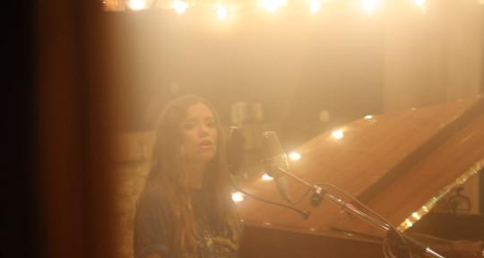 Vocalist, Songwriter, BGV's - Emily Reid
